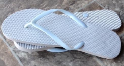 679e51016d6de Wholesale   Bulk Disposable PE Rubber Flip Flops